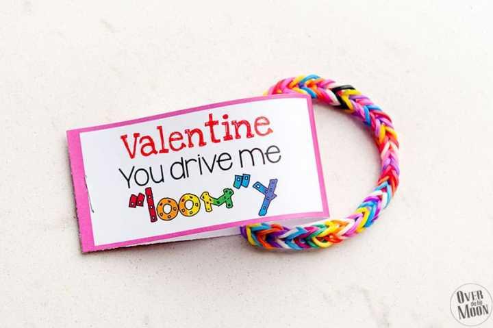 Pink Loom Bracelet Valentine w/ printable tag! From overthebigmoon.com!