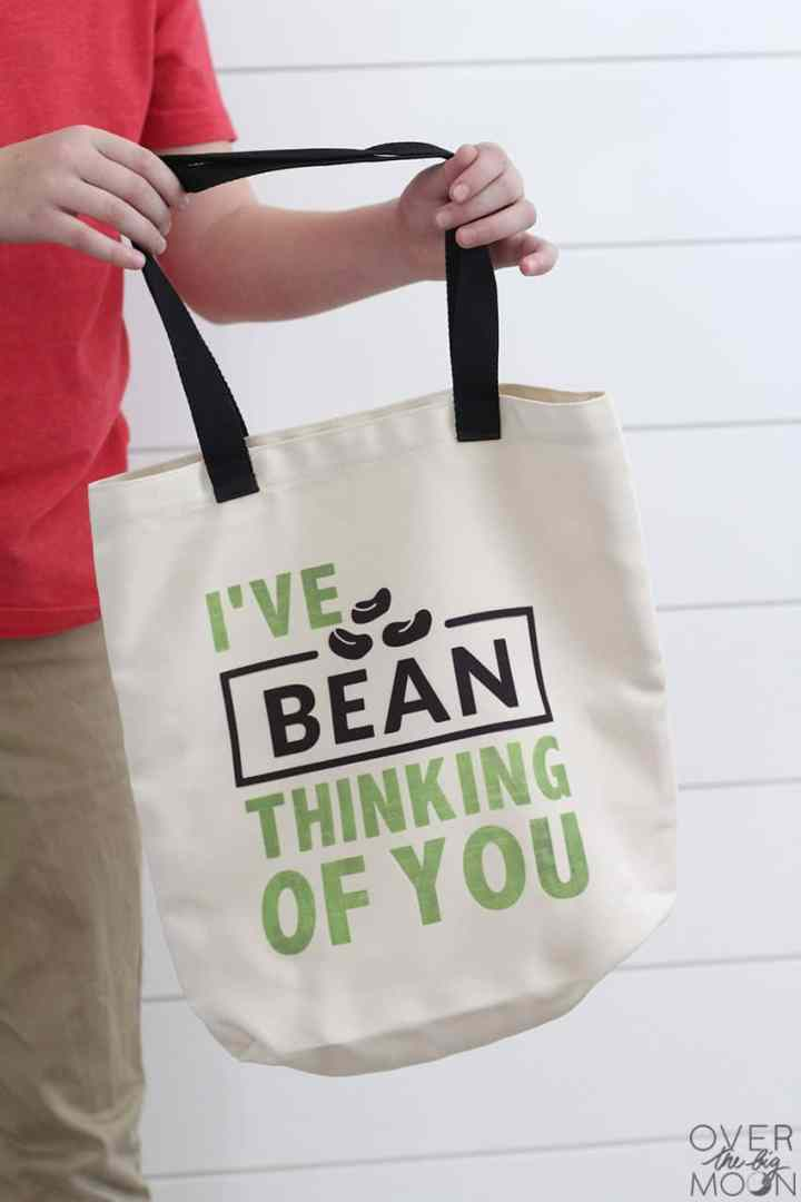 "Grocery Tote that says ""I've BEAN thinking of you!"""