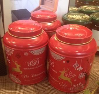 Présentation de la nouvelle boîte à thé de Noël au Bar à thé de Betjeman & Barton - ©Chloé Chateau