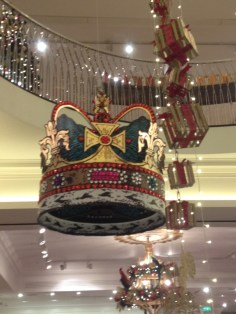 fortnum-and-mason-9-christmas-decorations-2015