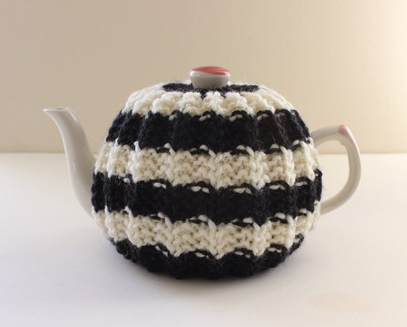 Tafferty Designs Hand-knitted Tea Cosy - Kelso Collection - in Pure Wool