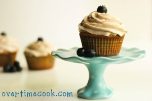 Blueberry Cupcakes with Cinnamon Cream Cheese Frosting