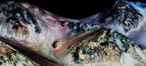 Camadas escuras - escorridas - denotam presença de água