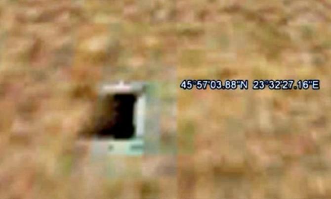 Possível entrada para base subterrânea em Marte