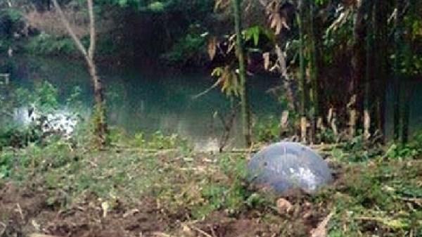 Uma das estranhas esferas que caiu na Tailândia