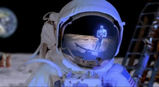 alguém na Lua
