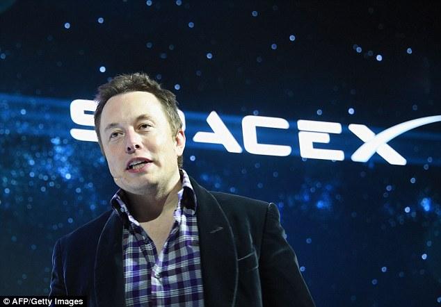 Bilionário fundador da SpaceX diz que há uma chance de 70% dele ir morar em Marte
