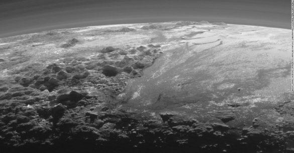 Foto de Plutão, obtida pela sonda New Horizon.