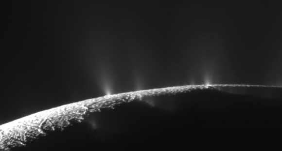 Endelado-lua-de-Saturno