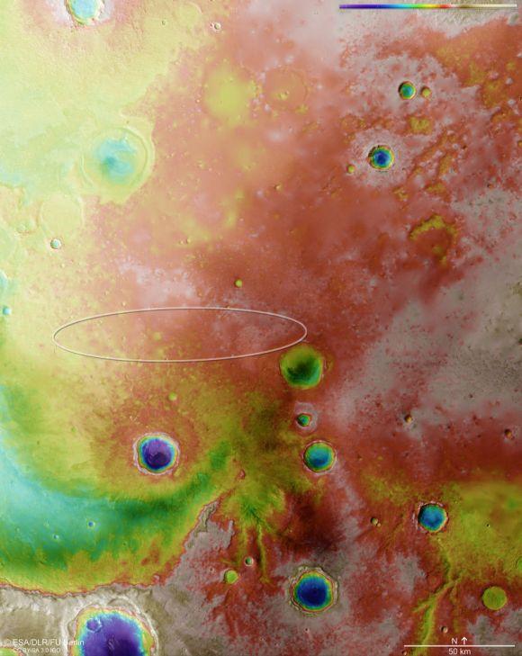 Esta perspectiva e cor falsa realça as características topológicas da região. O vermelho e o branco representam altitudes altas, enquanto o azul e lilás mostram terrenos mais baixos, tais como o interior de crateras. (ESA/DLR/FU Berlin, CC BY-SA 3.0 IGO)