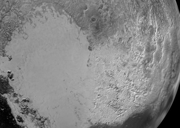 Sputnik Planitia, uma enorme cratera de impacto em Plutão.