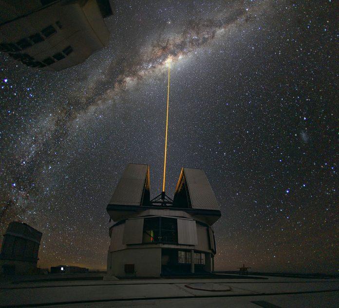 Telescópio Muito Grande - Very Large Telescope - VLT