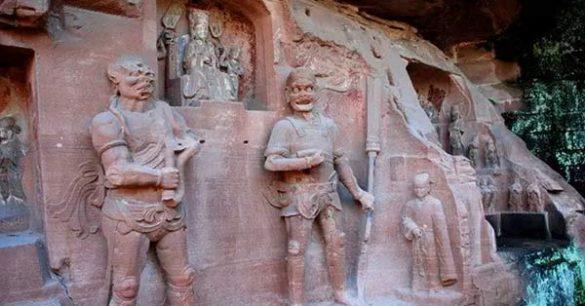 Estariam estas estátuas recém descobertas mostrando uma tecnologia desconhecida? 1