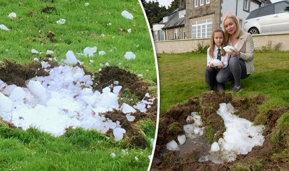 Enorme bloco de gelo cai do céu e quase atinge casa no Reino Unido 1