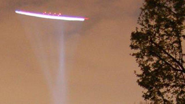 vídeos e fotos de OVNIs