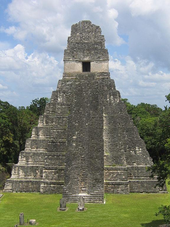 Similaridades impossíveis: 2 templos, 14.000 quilômetros os separando 2