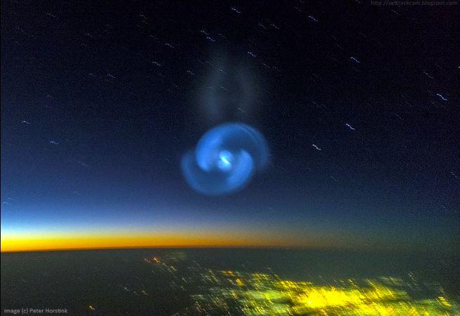 Espiral brilhante aparece no céu do Sudão