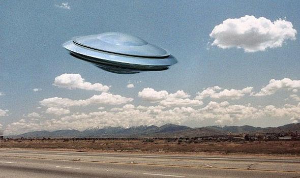 acobertamento governamental de OVNIs' e tecnologia antigravitacional
