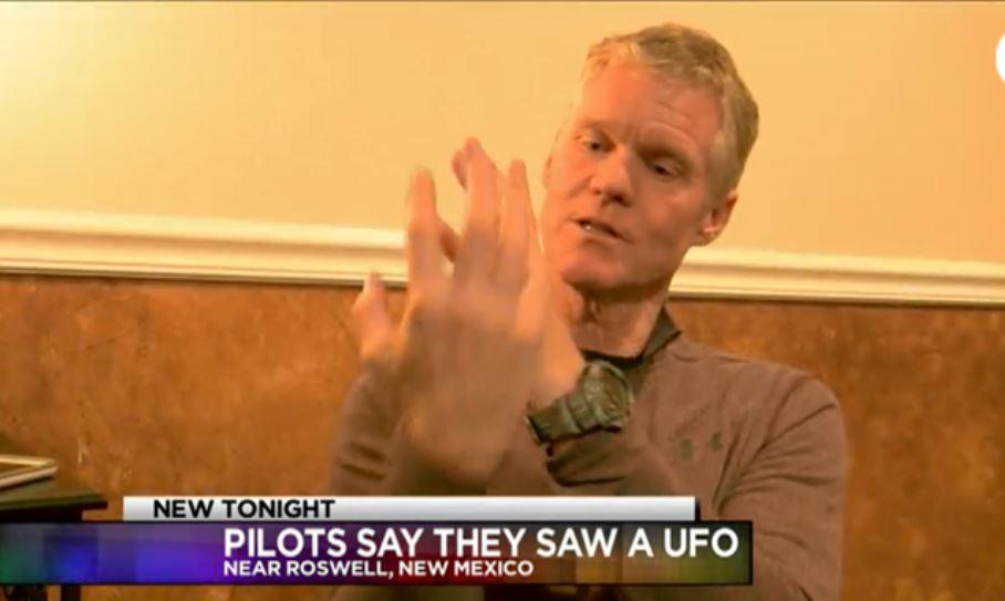 Pilotos comerciais falam sobre OVNI que viram sobre o Arizona