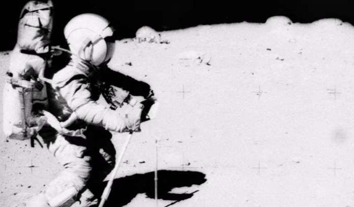 Céticos alegam que o pouso na Lua foi uma farsa