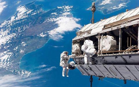 Pequeno meteoro atinge a Estação Espacial e causa vazamento de ar