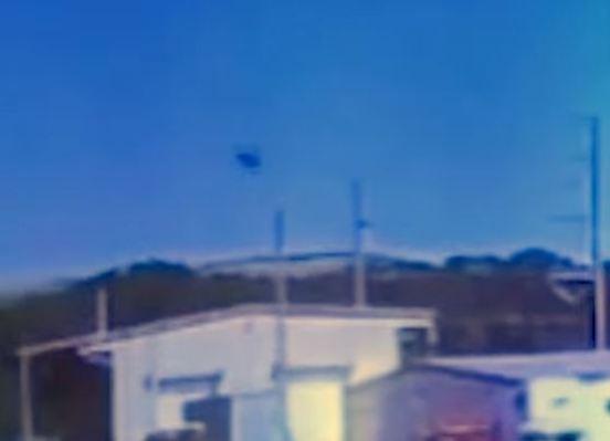 INTERESSANTE: Estranho OVNI parece cair onde avião militar havia acabado de cair 3