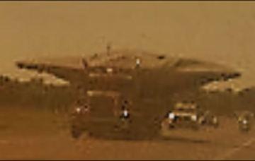 """""""Disco Voador"""" é fotografado sendo transportado no Texas, EUA 1"""