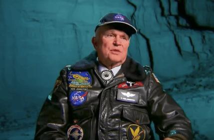 O primeiro homem a pisar na Lua realmente encontrou ETs por lá? 1