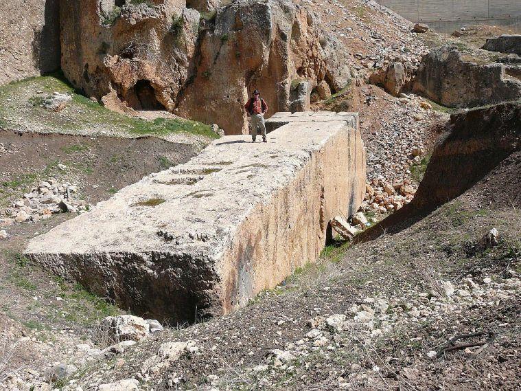 Foram estas estruturas construídas pelo homem há um milhão de anos? 5