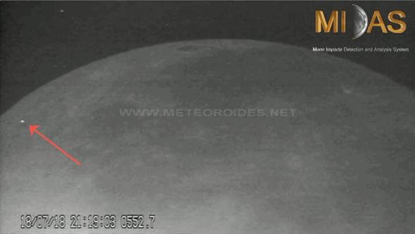Agência Espacial Europeia captura clarões na Lua 1