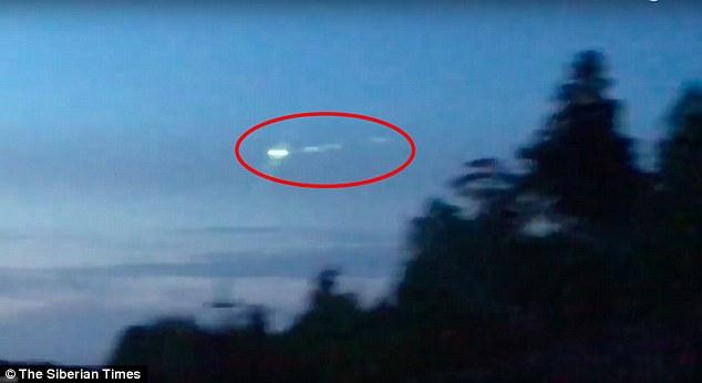 OVNI sobrevoa o oeste da Sibéria - especialistas dizem que é muito lento para ser meteoro 1