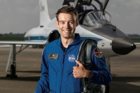 Astronauta da NASA desiste de treinamento
