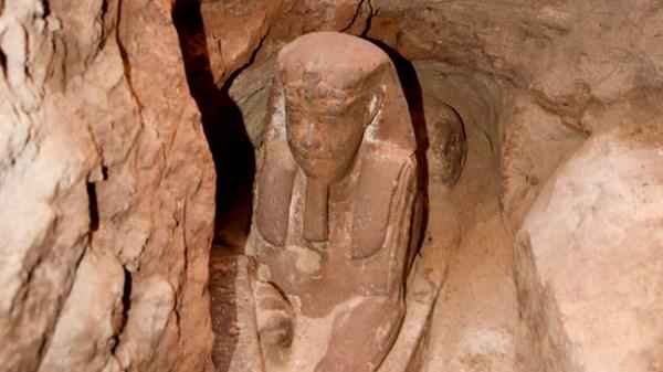 Mais uma esfinge é encontrada no Egito