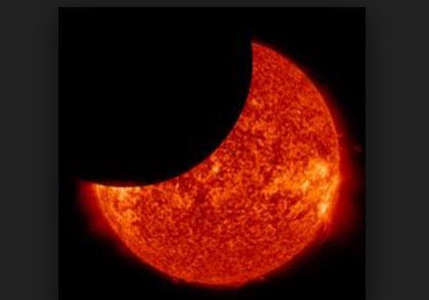 Lua passou na frente do Sol duas vezes no mesmo dia
