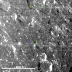 Misteriosas linhas retas são encontradas em superfície de lua de Saturno