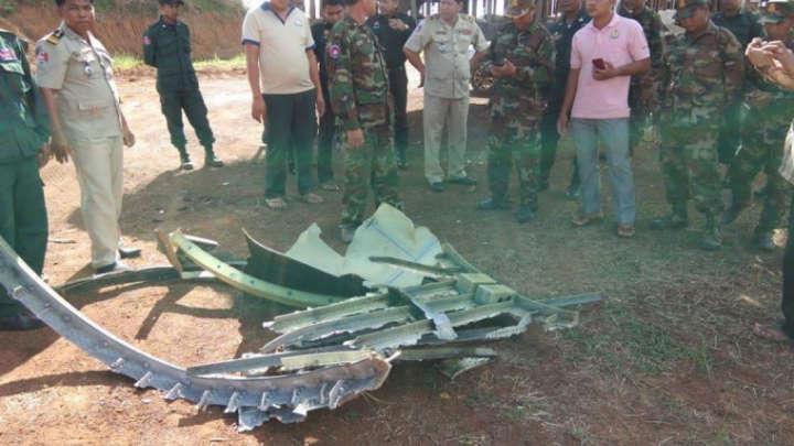 Destroços de um objeto não identificado caem do céu no Camboja Lixo-espacial-Camboja-1