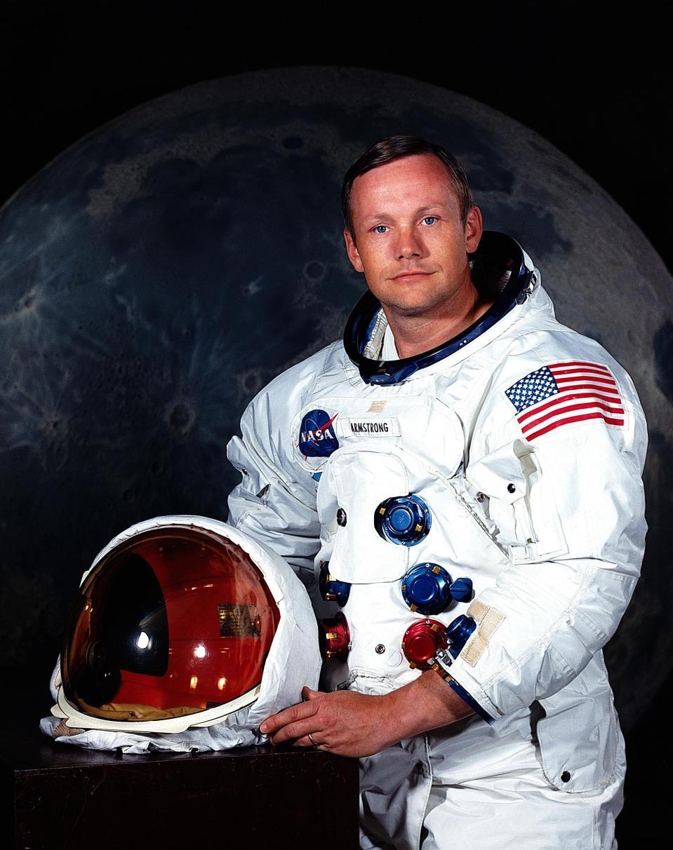 O primeiro homem a pisar na Lua era fascinado por OVNIs