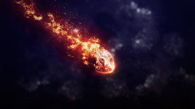 Astrônomos estão perplexos por bolas de fogo lentas cruzando os céus do mundo