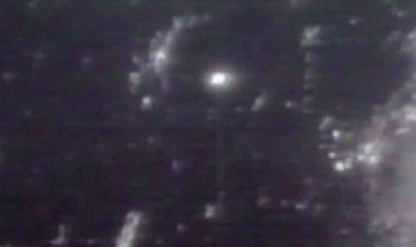 Imagens da caminhada espacial da NASA são interrompidas após anomalia ser vista 2