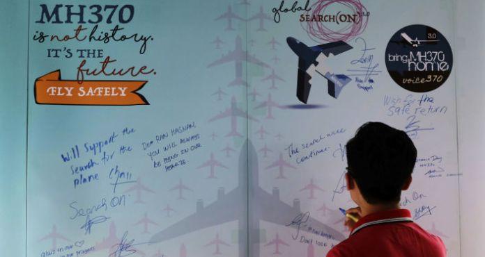 Avião do voo MH370 pode ter pousado e decolado após desaparecimento