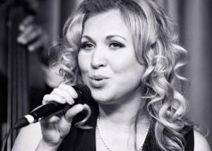 Как петь по-американски? Техника вокала CVT по Кэтрин Садолин.