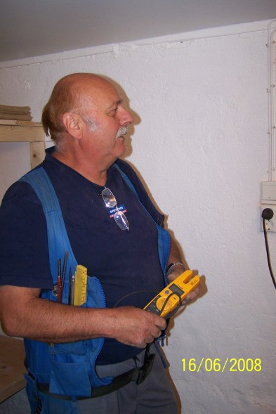 Olav Bårdsen har ansvar for de elektriske installasjonene.