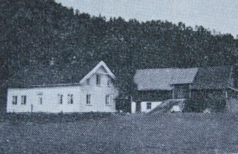 Homsmoen, gammel gjestgiveri og første posthus i Øvrebø