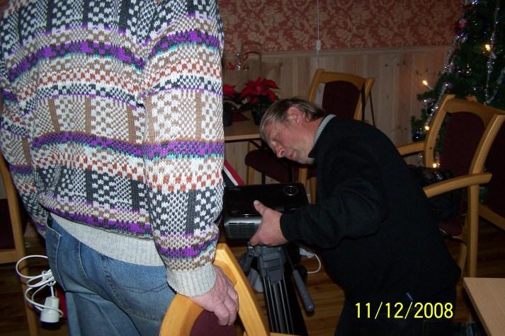Olav Upsahl viste film fra Kjentmanns-turen til Hestekniben på Stallemo i 2005.