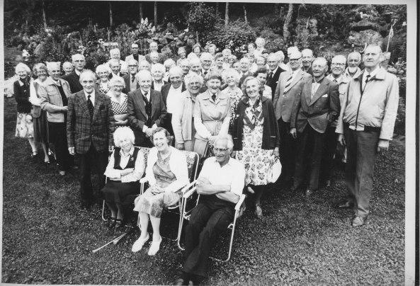Pensjonistforeningen i Øvrebø og Hægeland hadde en tur til Torbjørg og Bernt Frustøl. Her er mange kjente fjes.