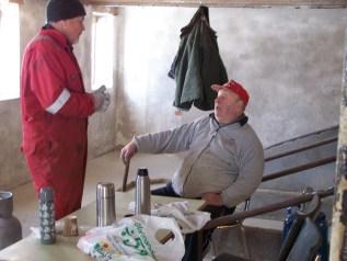 Dugnadskontroll: Helge Skuland og Torleiv Bjerland