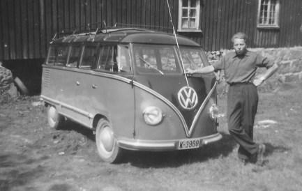 Tormod Berge har leid en VW minibuss for å dra på tur.