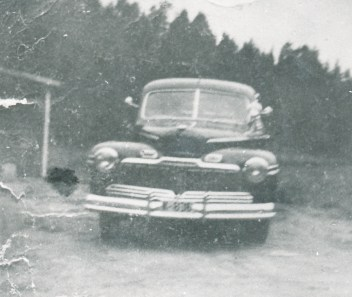 Ford Mercury: drosja til Olav Iglebæk med kjennetegne K-2351. Her er den nok pensjonert og har fått kjennetegn K-836.