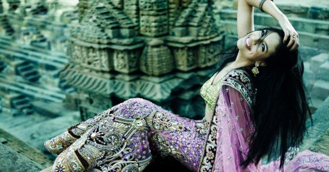 индийская красавица с шикарными волосами