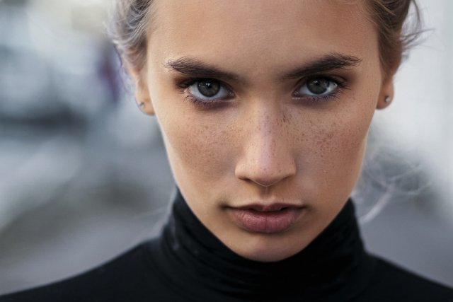 Як доглядати за шкірою обличчя восени